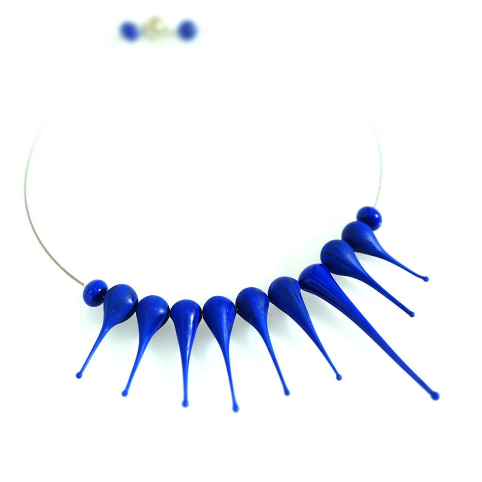Collana Artigli blu lapis scuro. Olimpia Aveta Design gioielli contemporanei in vetro di Murano