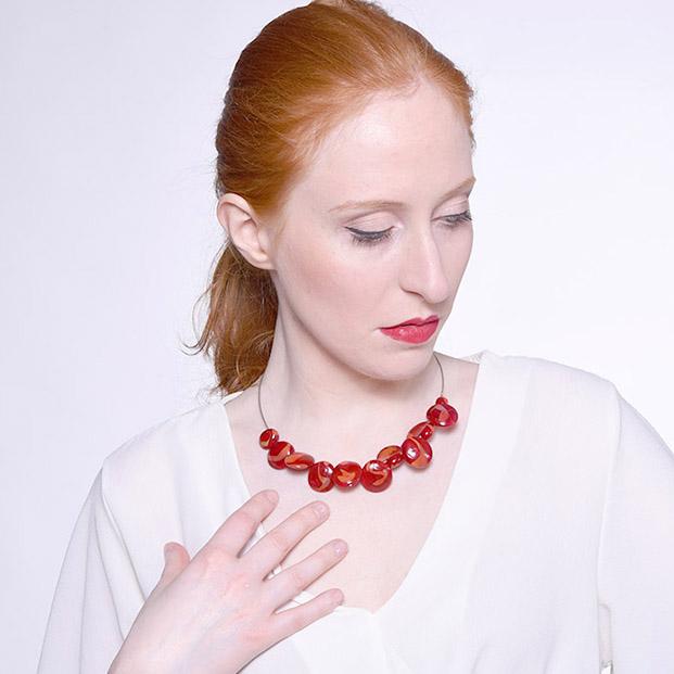 Collana linea Conchiglie Marmored Olimpia Aveta Design gioielli contemporanei in vetro di Murano