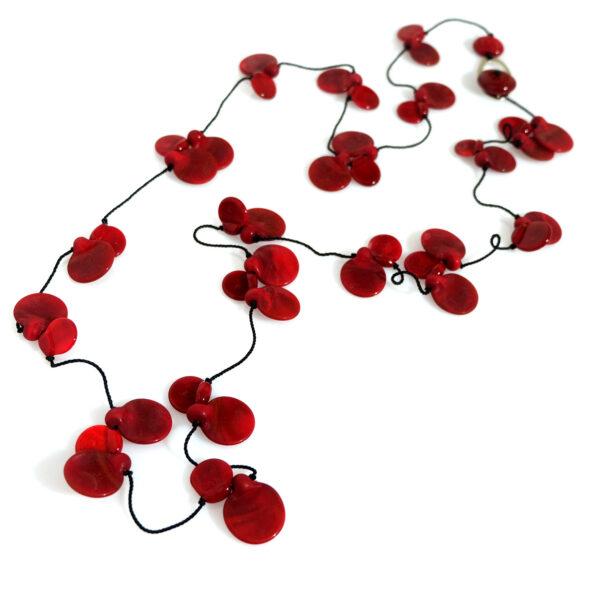 Collana LEI Long rosso ciliegia Olimpia Aveta Design gioielli contemporanei in vetro di Murano